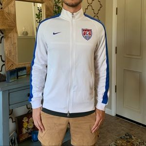 Nike men's size small USA soccer jacket
